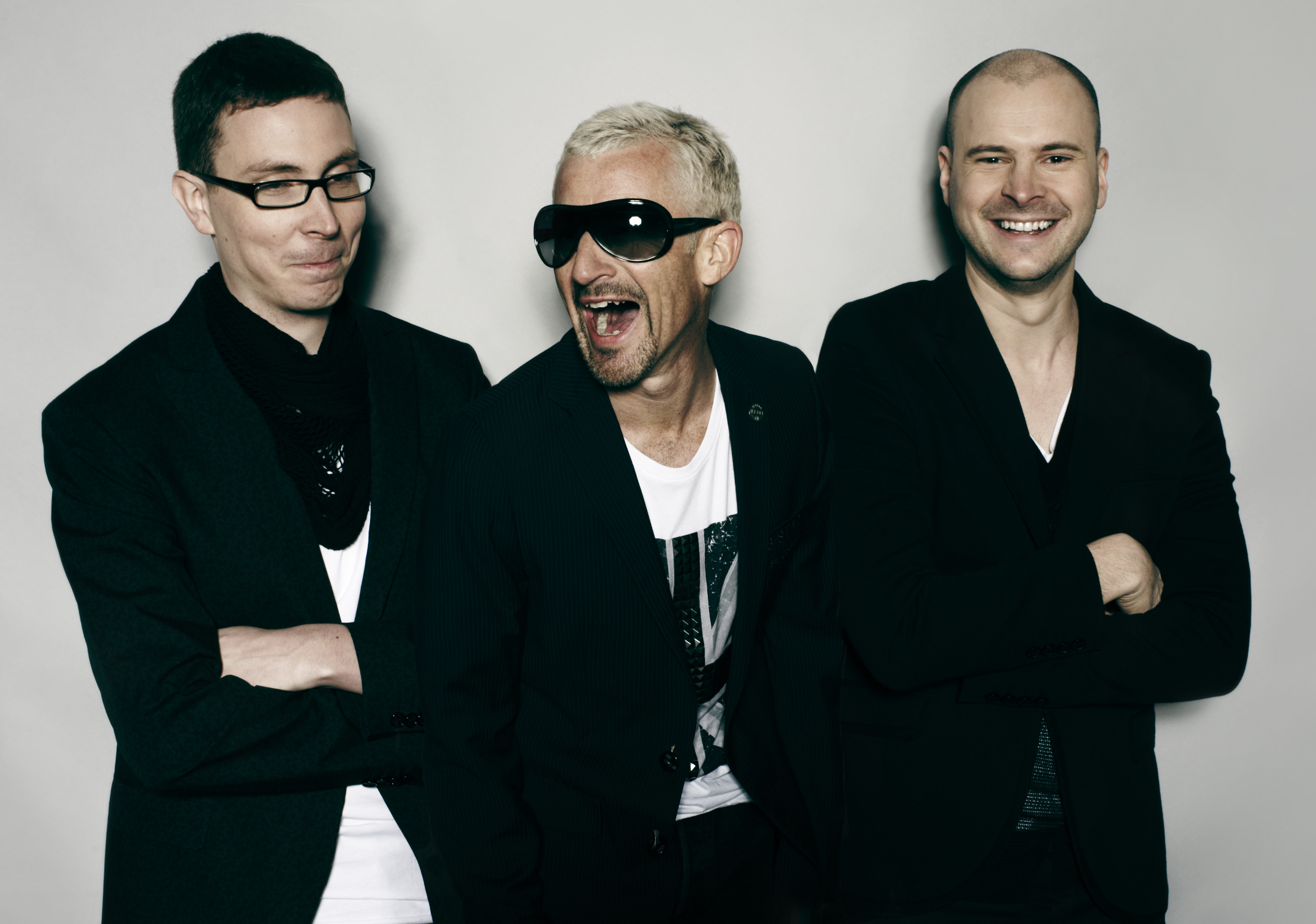 Details 5fm for Above and beyond
